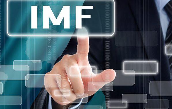 IMF ปรับประมาณการเศรษฐกิจอย่างละนิดละหน่อย แต่มองว่าจะโตช้าไปอีกนาน และออกตัวว่าประมาณการอาจจะไม่ตรงเนื่องจากมีปัจจัยเสี่ยงอีกมาก